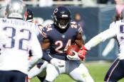 Former Chicago Bears running back Jordan Howard rushing the ball against the New England Patriots