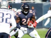 Former Chicago Bears running back Jordan Howard rushing the ball against the New England Patriots