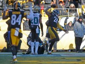 Former Pittsburgh Steelers running back Le'Veon Bell scores a touchdown against the Jacksonville Jaguars during the 2018 AFC Divisional Playoff game
