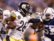 Former Pittsburgh Steelers running back Le'Veon Bell stiff arms Jon Bostic against the Indianapolis Colts