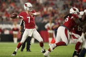 Former Arizona Cardinals quarterback Mike Glennon throws a pass during preseason against the Denver Broncos