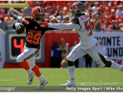 Former Tampa Bay Buccaneers linebacker Kwon Alexander attempts to make to tackle Duke Johnson against the Cleveland Browns