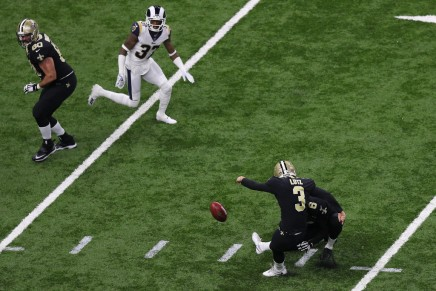 Saints re-sign kicker Wil Lutz