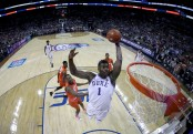 Duke Blue Devils forward Zion Williamson dunks the ball against the Syracuse Orange