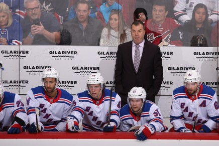 Flyers name Vigneault as new head coach