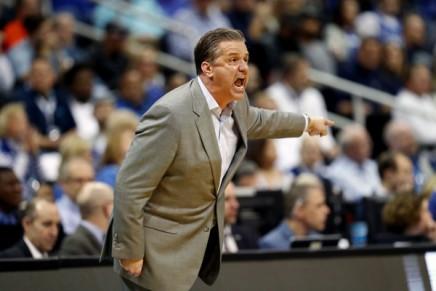 Coach Calipari remains atKentucky