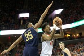 Virginia Cavaliers guard De'Andre Hunter going to the basket against the Notre Dame Fighting Irish