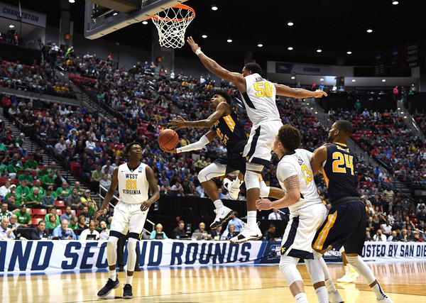 Former Murray State Racers guard Ja Morant drives to the basket against the West Virginia Mountaineers