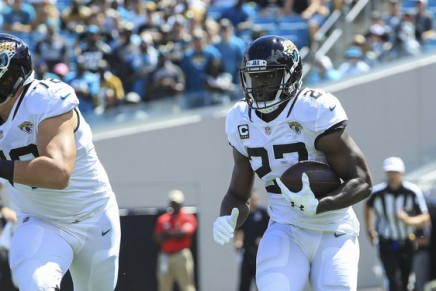 Jaguars back Fournette arrested for speeding and suspended license