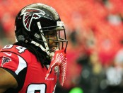 Former Atlanta Falcons wide receiver Roddy White warms up prior to a game against the New Orleans Saints