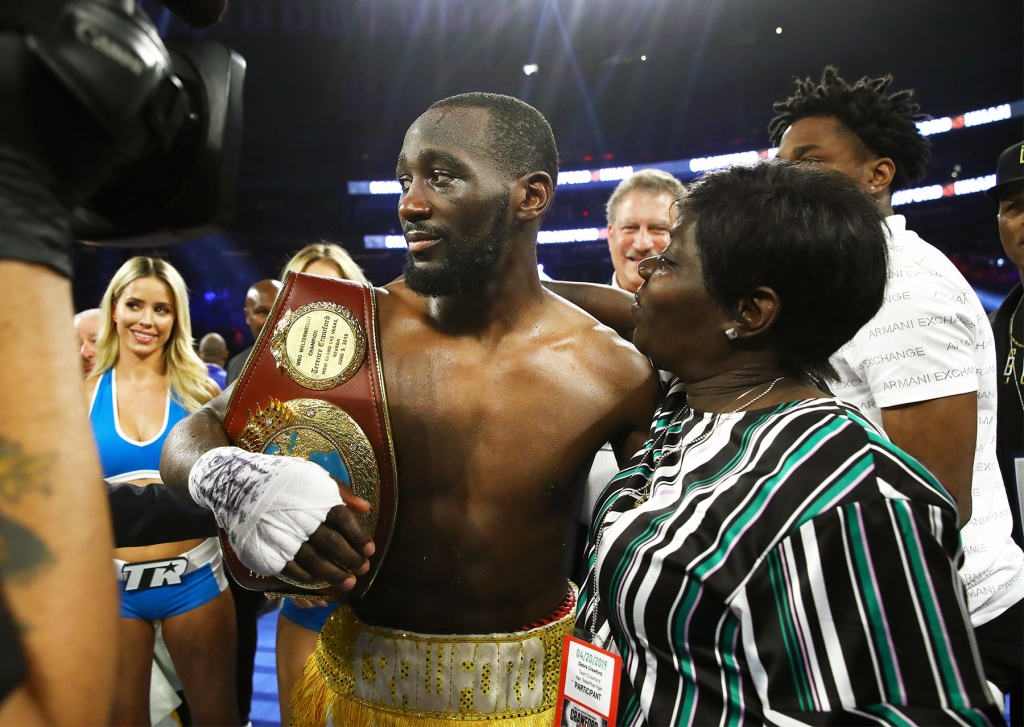 Boxer Terence Crawford with his mother after defeating Amir Khan