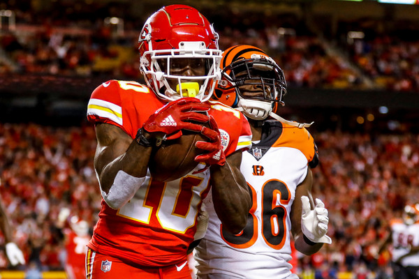 Kansas City Chiefs wide receiver Tyreek Hill scores a touchdown against the Cincinnati Bengals