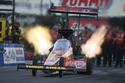 Force leads Top Fuel on Friday at 2019 Summit NHRANationals