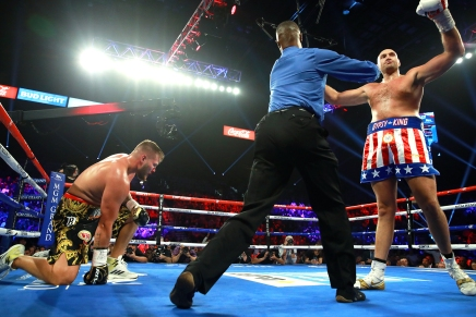 Fury knocks out Schwarz in the German's USdebut