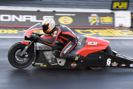 Hines take new bike to provisional lead at 2019 Dodge Mile-High Nationals