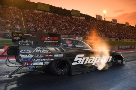 Pedregon takes provisional FC lead at 2019 Dodge Mile-High Nationals