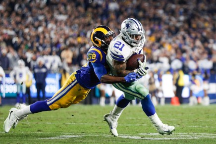 Cowboys back Elliott holding out in Cabo San Lucas,Mexico