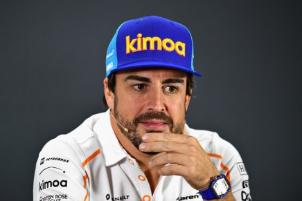 Alonso denies split with McLaren