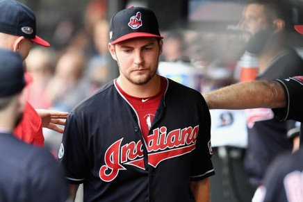 Bauer traded to the Reds in three-team deal