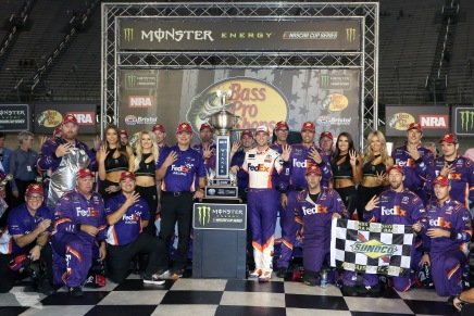 Hamlin wins Bristol for the first-time since2012