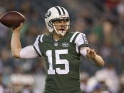 Former New York Jets quarterback Josh McCown attempts a pass against the Philadelphia Eagles
