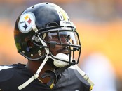 Former Pittsburgh Steelers wide receiver Antonio Brown Is seen during warm ups against the Kansas City Chiefs