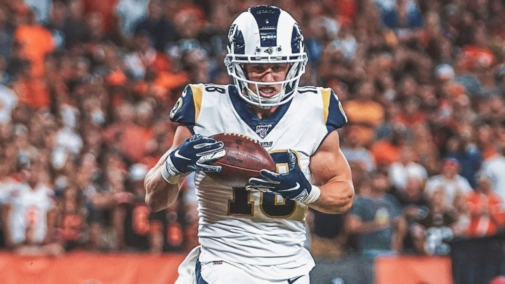 Los Angeles Rams wide receiver Cooper Kupp catches a touchdown reception against the Cleveland Browns