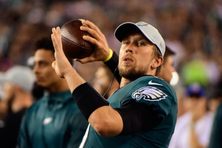 Jaguars' Nick Foles suffers broken clavicle