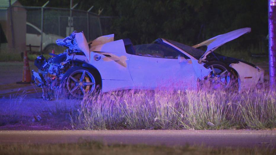 Professional boxer Errol Spence Jr. crashes his white Ferrari on Riverfront Boulevard near Interstate 30