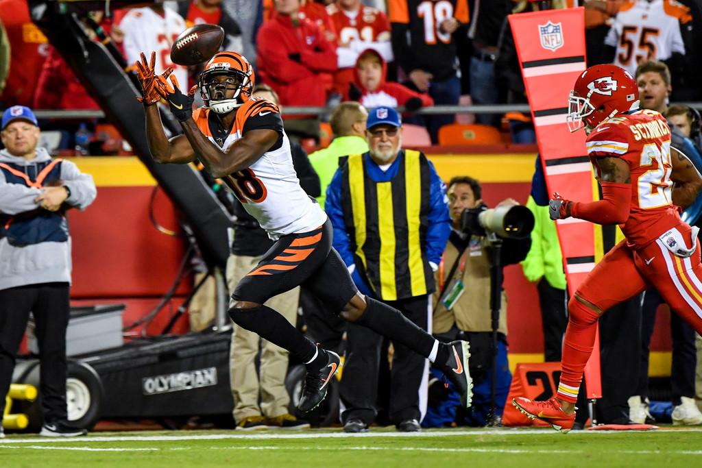 Cincinnati Bengals wide receiver A.J. Green makes a catch against the Kansas City Chiefs