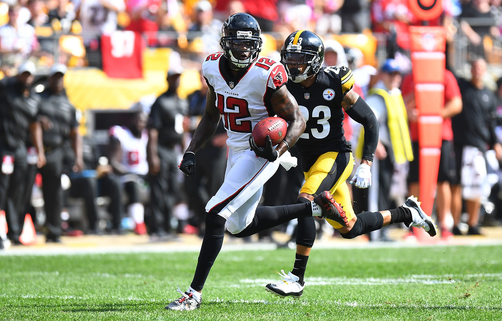 Former Atlanta Falcons wide receiver Mohamed Sanu runs up the field for a 43-yard touchdown reception against the Pittsburgh Steelers