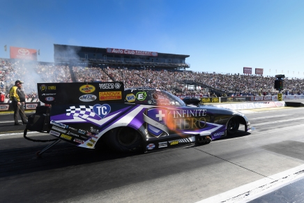 Beckman claims final Funny Car at 2019 Auto Club Finals