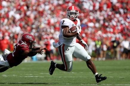 (8) Bulldogs keep playoff hopes alive, defeat (6)Gators