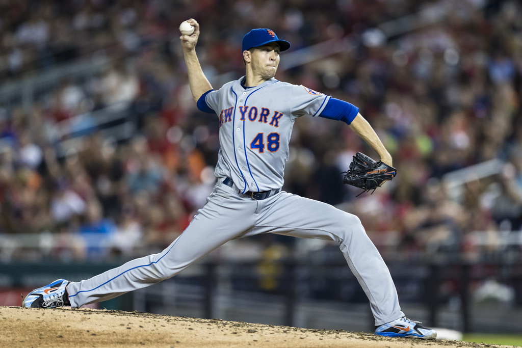 New York Mets pitcher Jacob deGrom pitches against the Washington Nationals