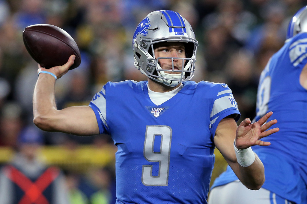 Detroit Lions quarterback Matthew Stafford throws a pass against the Green Bay Packers