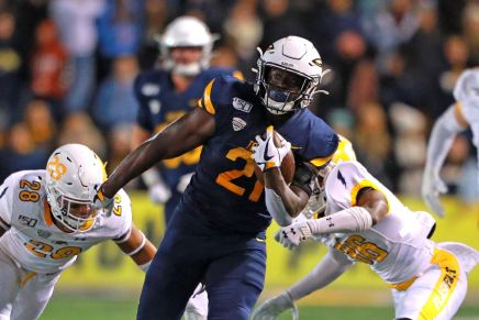 Toledo becomes bowl eligible, defeats Kent State35-33