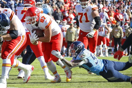 Mahomes throws one TD, as Chiefs win 24-17 over Chargers in Mexico City