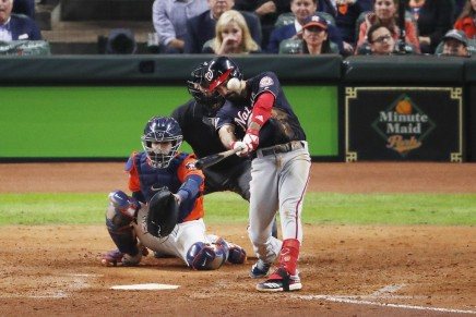 Angels sign Rendon to seven-year, $245 milliondeal