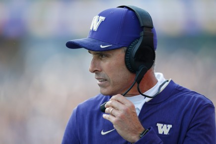 Washington coach Petersen to step down following Bowlgame