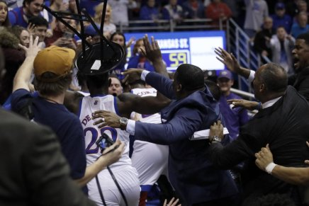 Brawl ends Kansas-KSU game