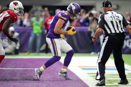 Vikings' Thielen expected to play withlaceration