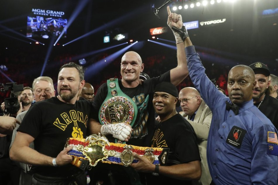 Corner stoppage gives Fury knockout over Wilder