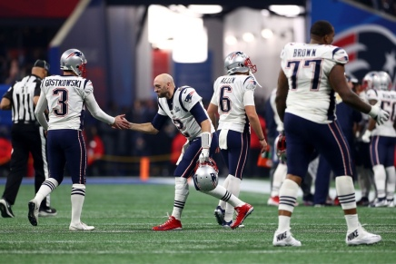 Patriots sign Brian Hoyer for a third-time