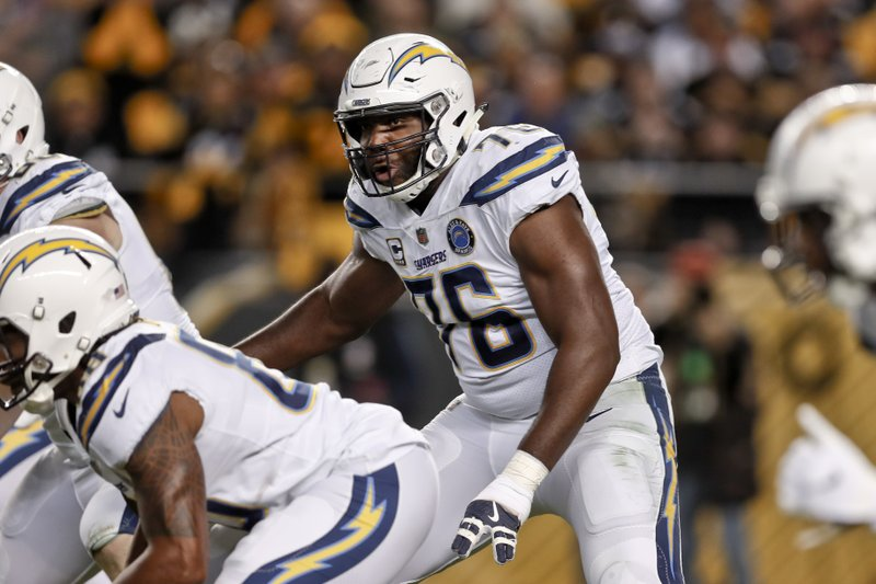 Los Angeles Chargers offensive tackle Russell Okung plays offense against the Pittsburgh Steelers
