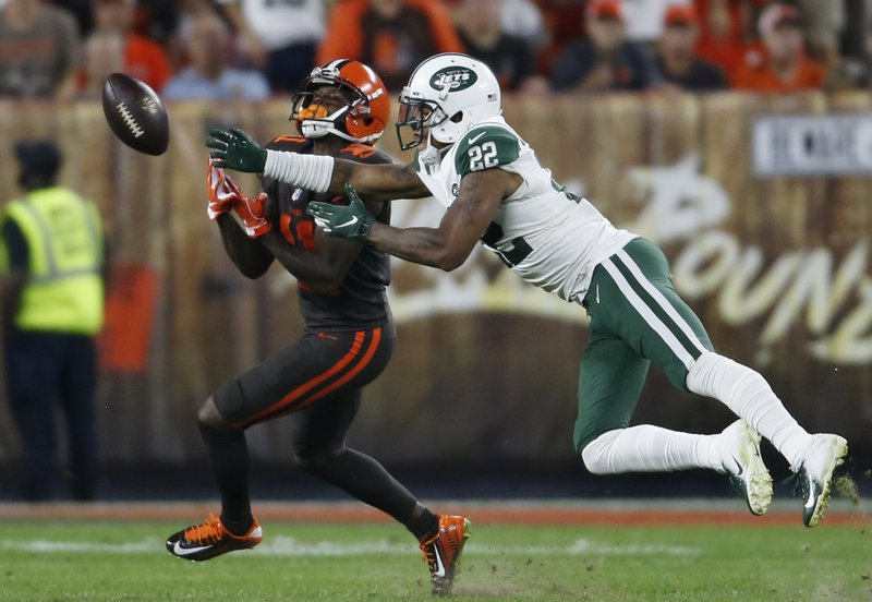 New York Jets cornerback Trumaine Johnson breaks up a pass intended for Cleveland Browns wide receiver Antonio Callaway