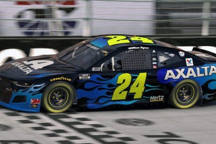 Byron wins first Cup race at virtual Bristol in eNASCAR