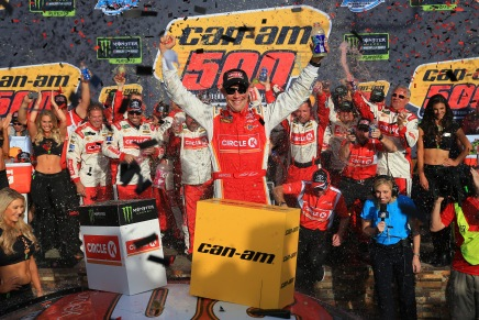 Kenseth comes out of retirement to race again in NASCAR in2020