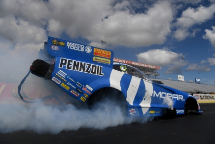 Hagan defeats DSR teammate at E3 Spark Plugs NHRA Nationals