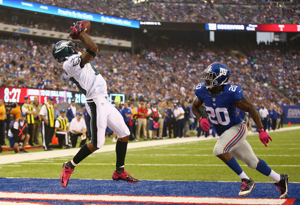 Philadelphia Eagles wide receiver DeSean Jackson catches a touchdown against the New York Giants
