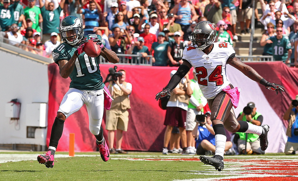 Philadelphia Eagles wide receiver DeSean Jackson catches a touchdown against the Tampa Bay Buccaneers